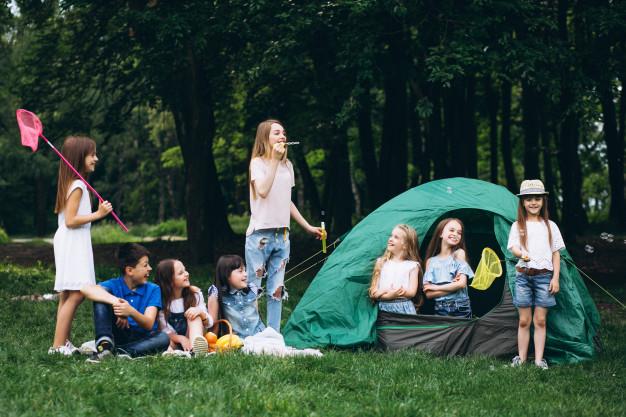 free things to do, kids camping, backyard camping, school holidays activity
