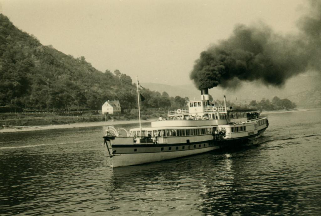 """Dampfer """"Drachenfels 1954"""