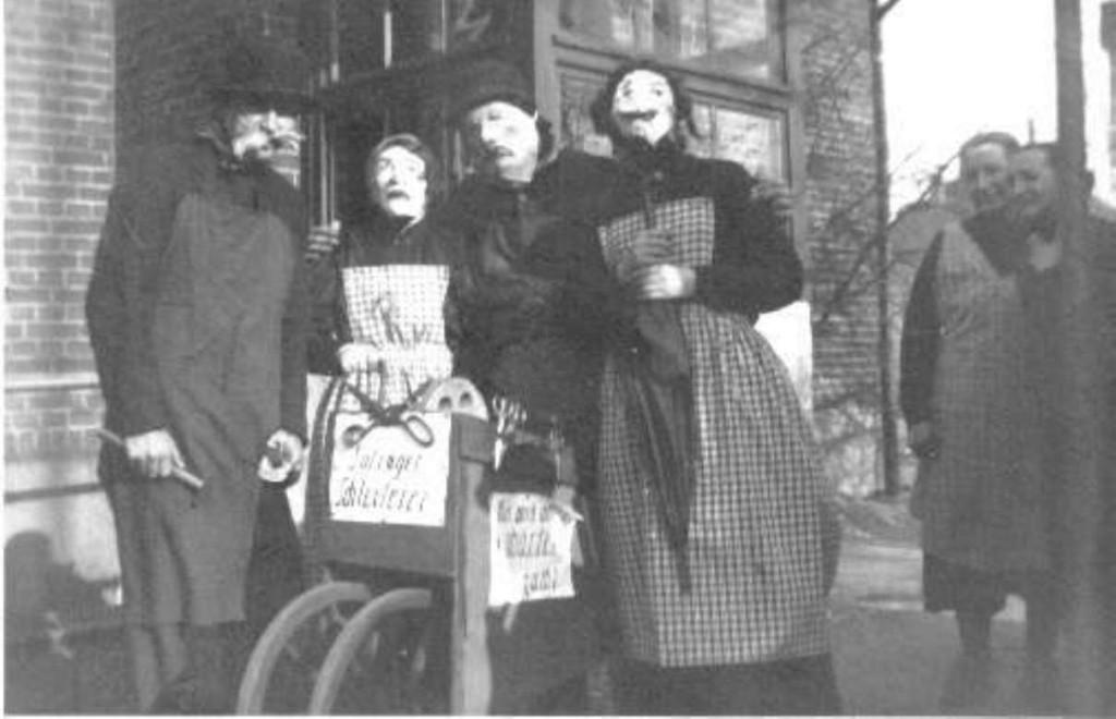"""Karneval 1934   Omas oder auf  Kämber Platt: """"Umascher"""""""