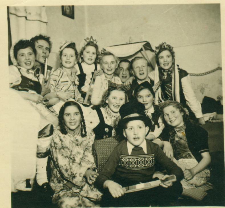"""Karneval 1949 Beim Kimmels Karl/ """"Uff'm Haischopp"""" (Deutsches Haus)"""