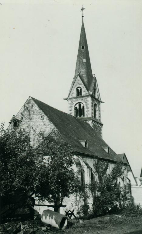 Alte kirche vor dem Brand