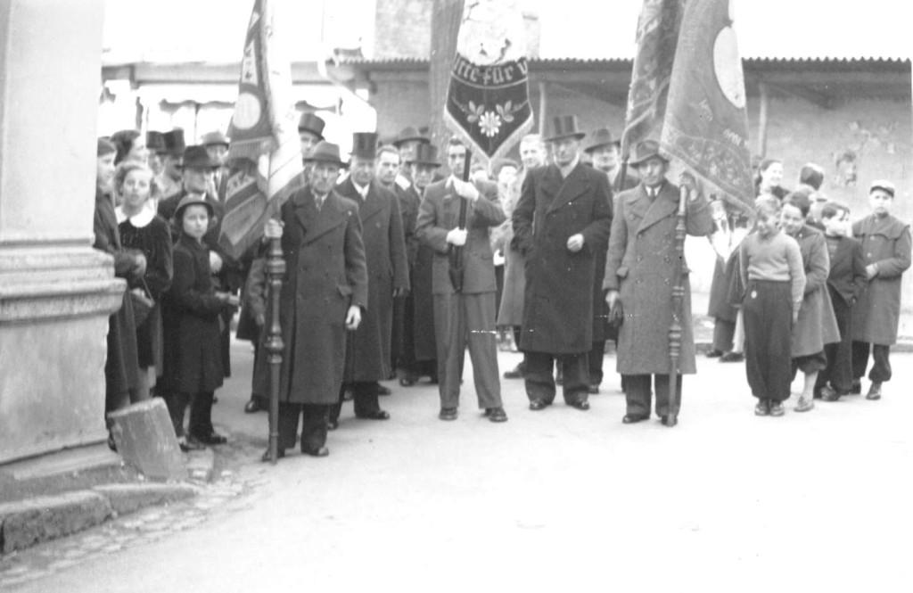 1953 Fahnenweihe Nachbarschaft Bornhofen
