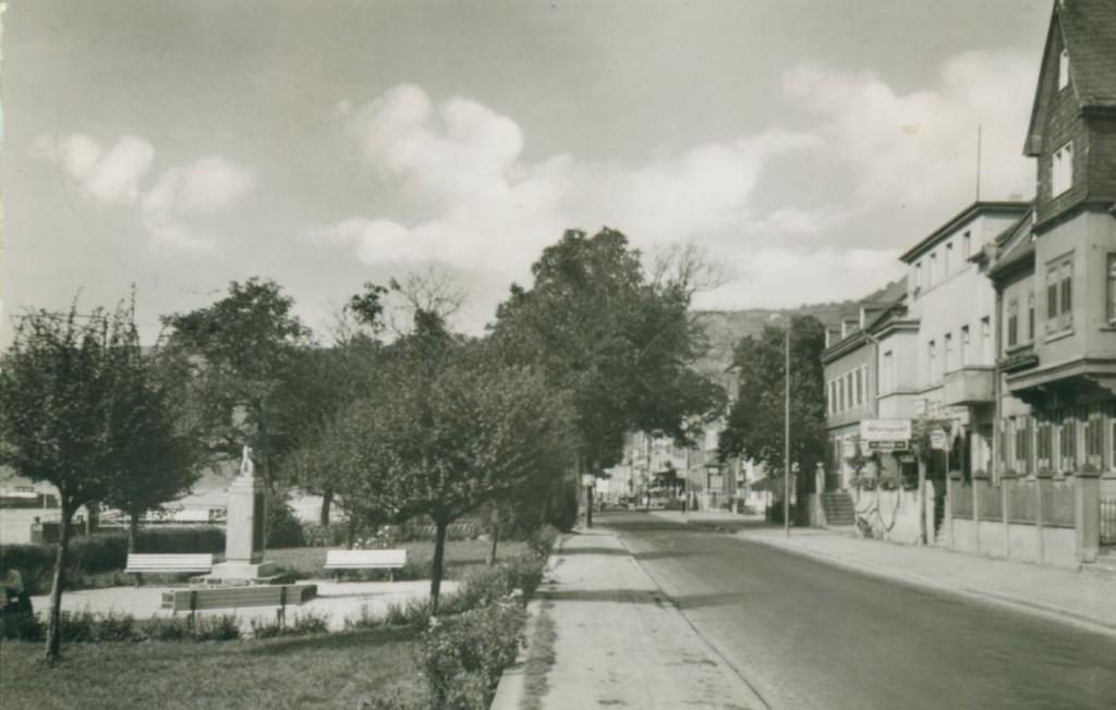 Rheinuferstraße