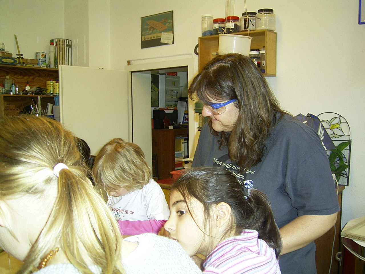 """Kindergeburtstag- als erstes gibt es natürlich eine kleine Einführung in die Technik des """"glasfusing"""""""