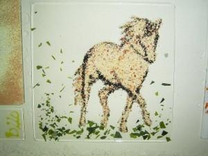 Schale mit Pferdemotiv- vor dem Schmelzen