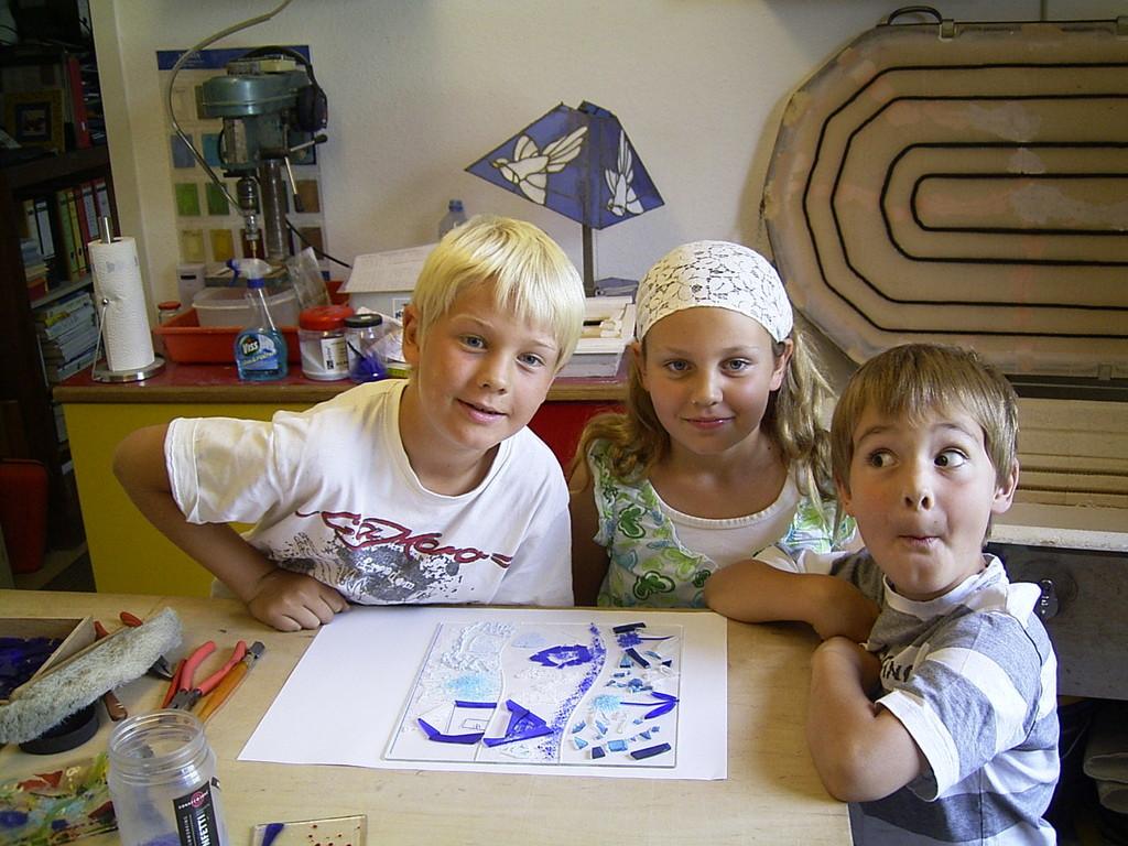 Die Schale wurde von den Enkelkindern selbst gestaltet