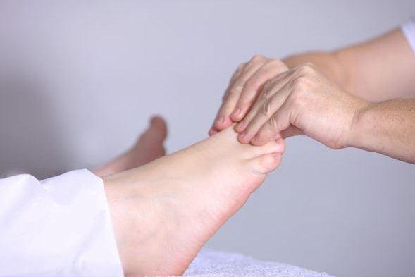 Lymphdrainage Basel : Linderung durch die manuelle Lymphdrainage. Sanfte Verschiebetechniken des Hau- und Unterhautbereichs! Effektiv und  Schmerzlösend!