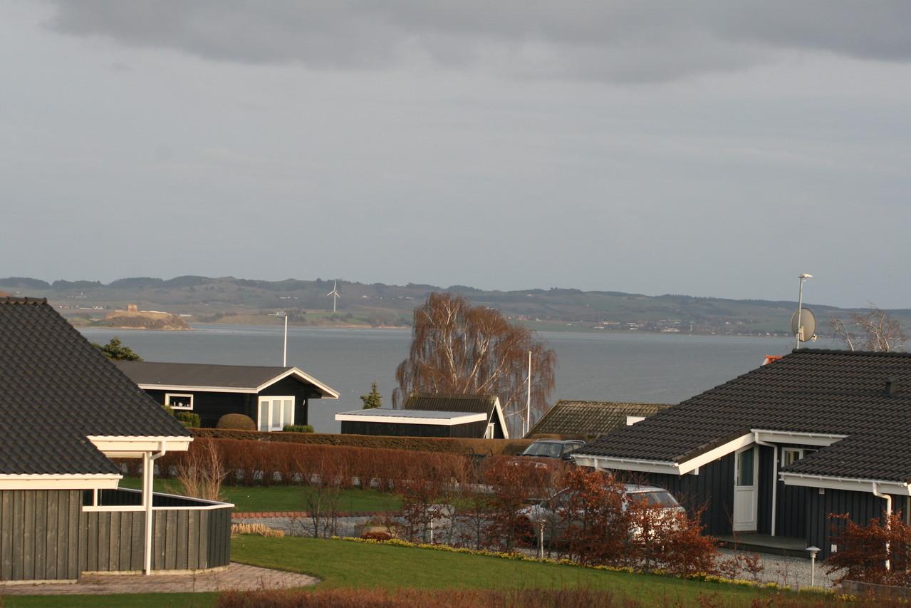 Blick vom Haus zum Meer.