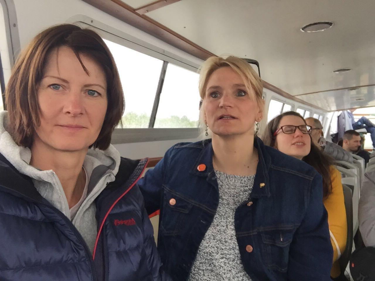 und auch auf dem Taxiboot wird ein Selfie gemacht