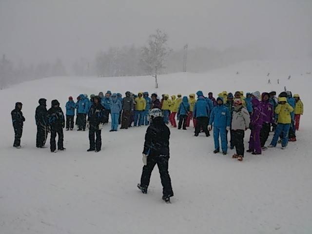 吹雪の中でのルスツスキー場