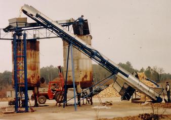 Usine de production de charbon de bois