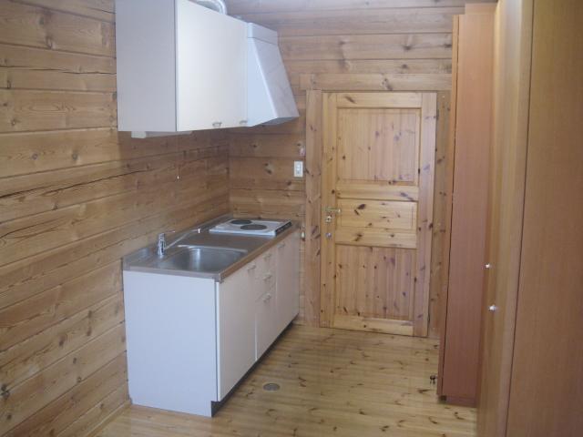 居室のミニキッチン(入口側)。IH対応です。