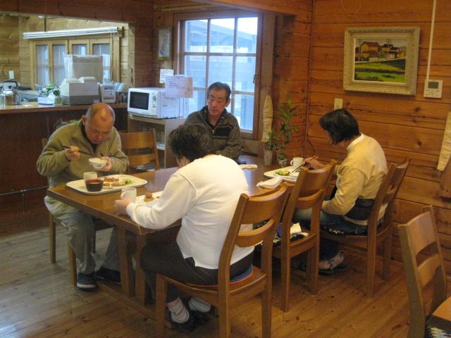 夕食はこの食堂で、皆と楽しく。