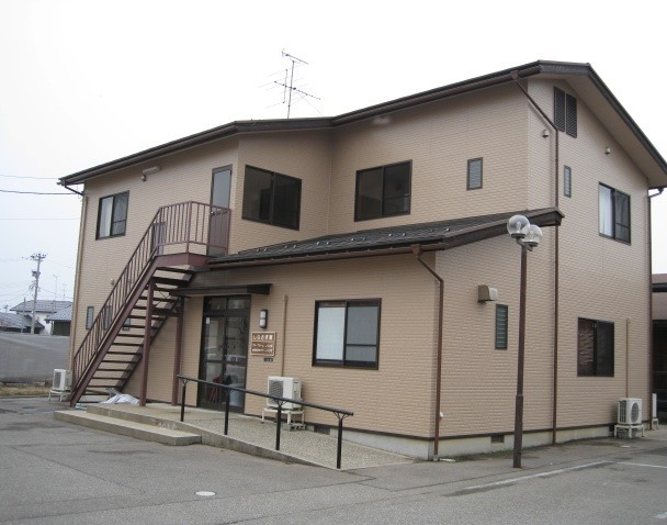 『しらさぎ館』1階に1室、2階に6部屋あります