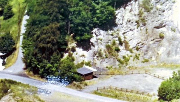 alte Schutzhütte im Steinbruch