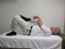 右股関節のストレッチ