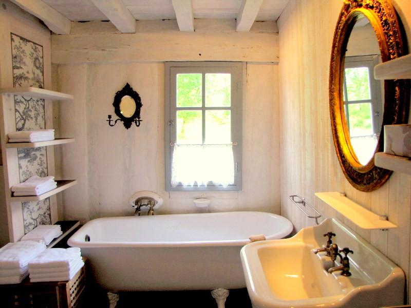 Salle de bains de votre gîte de charme dans les Landes de Gascogne