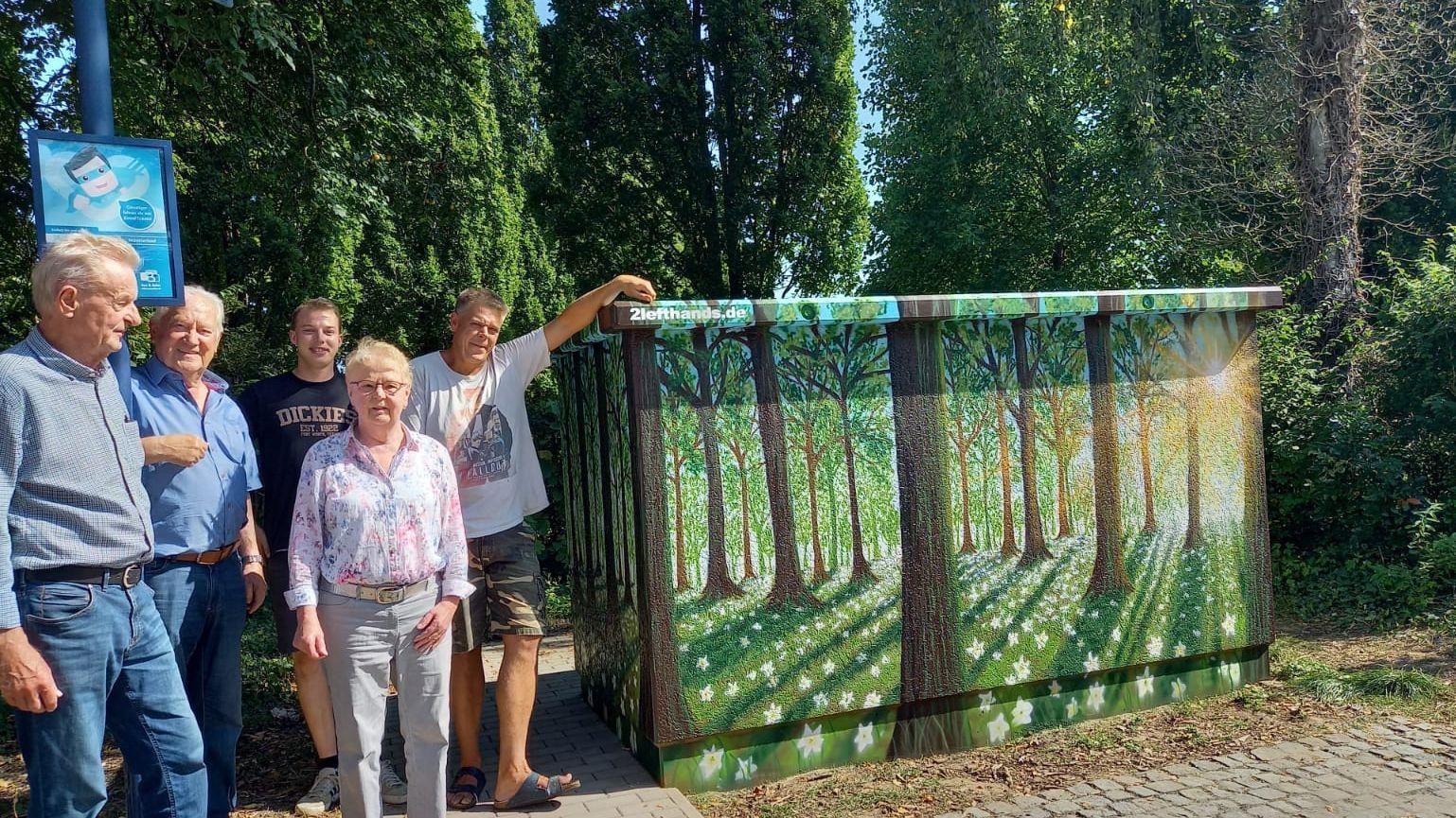 Künstlerische Bemalung einer 10-KV-Betonstation in Hohenholte