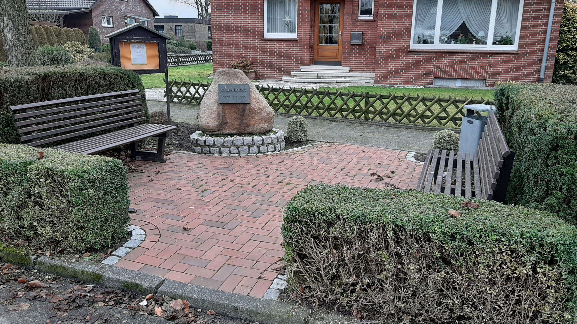 Überdachung einer Sitzgruppe durch die Nachbarschaft Steenhorst in Holtwick