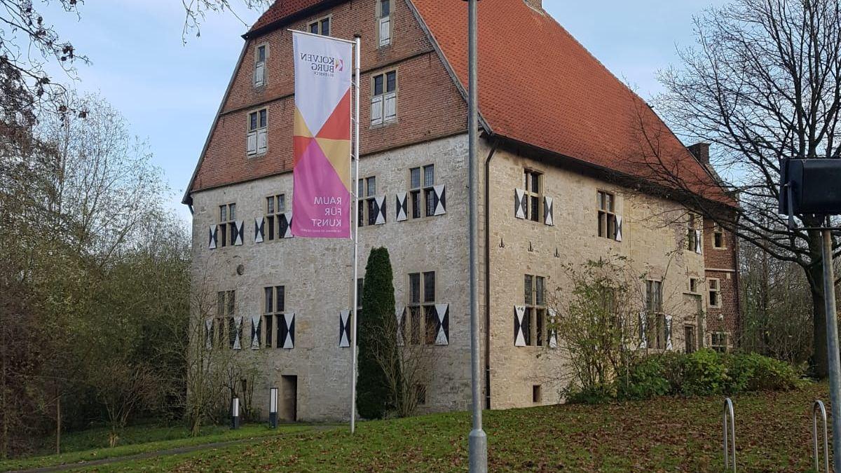 Die neue Fahne der Kolvenburg. Foto: Kolvenburg
