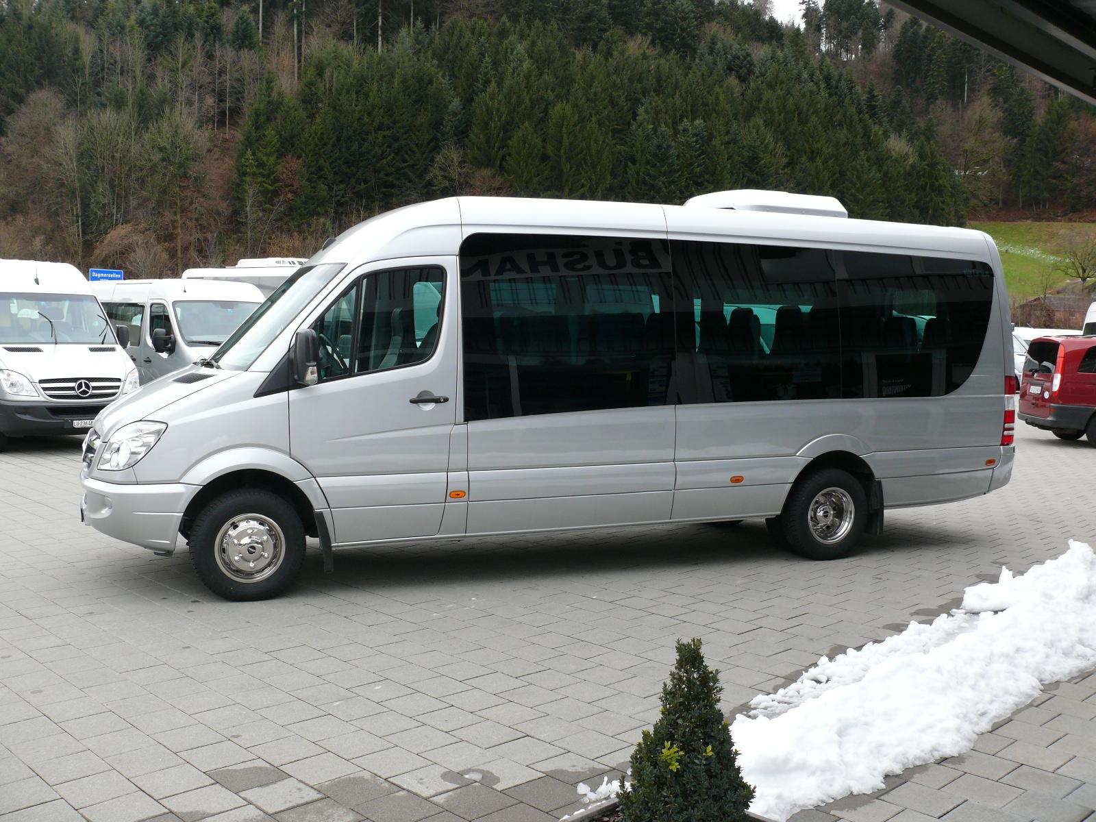 mercedes benz 519 reisebus bus mieten bus kaufen bei. Black Bedroom Furniture Sets. Home Design Ideas