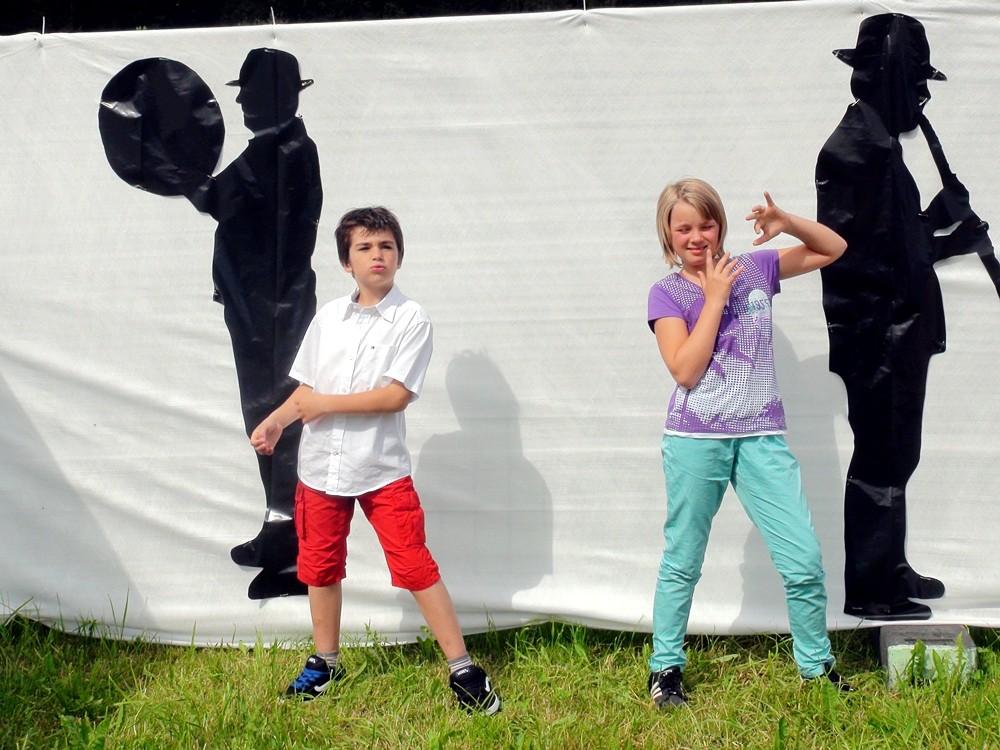 Die Kids hatten ihre Freude an der Dekoration im Festgelände