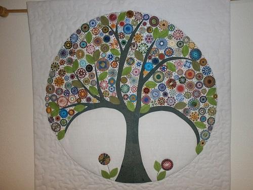 Helene: blühender Knopfbaum-Wandschmuck