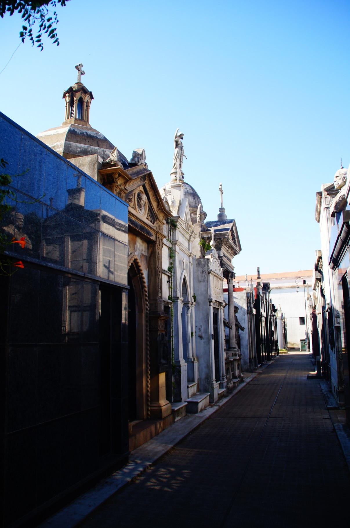 Schön und eigentlich gar nicht wie ein Friedhof wirkte der von Recoleta.