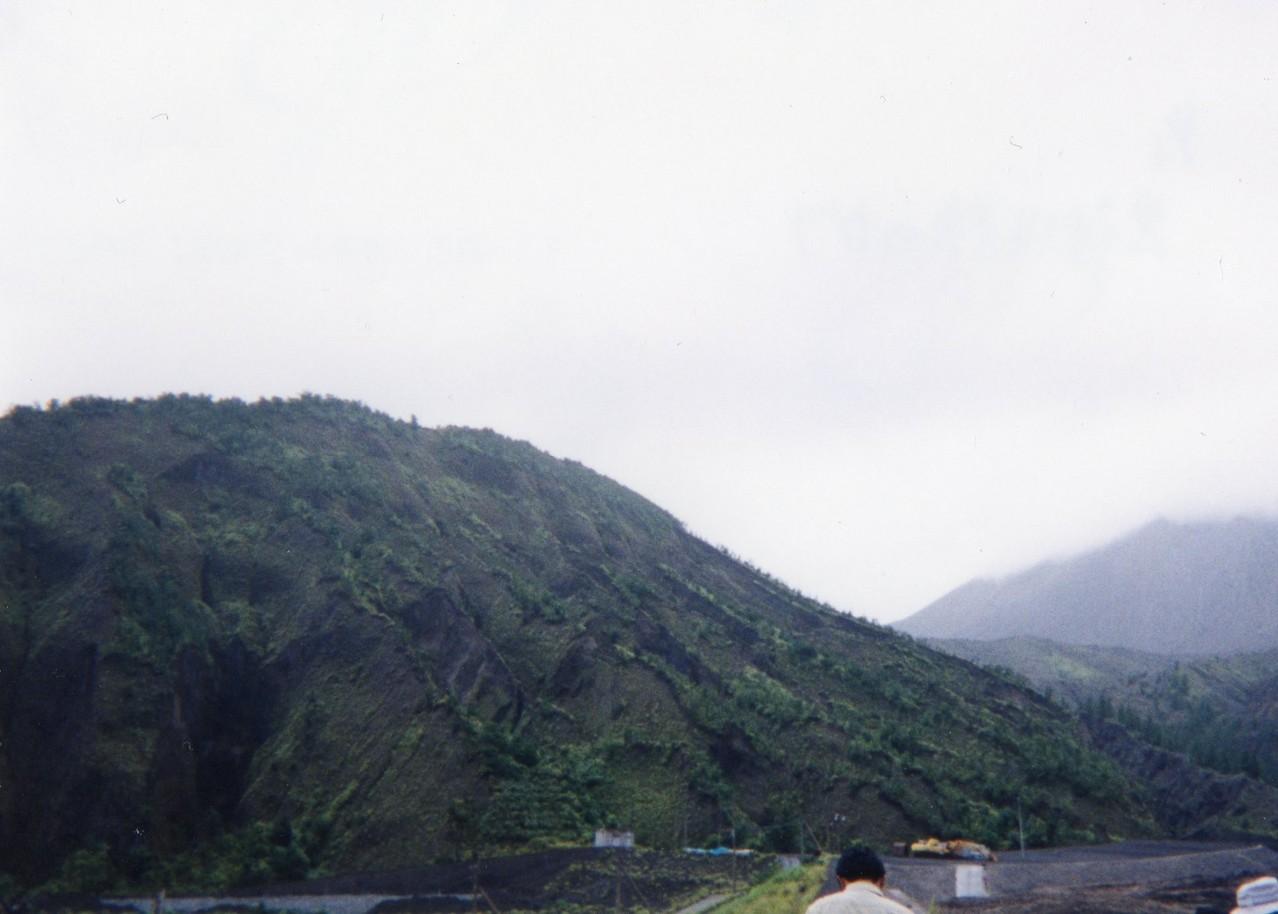990806黒神川沿いの地形「ガリ」