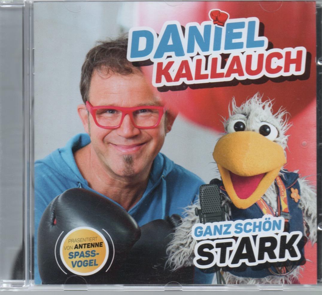 Daniel Kallauch (Backingvocals: Sebastian Cuthbert & Danyelle Vanes)