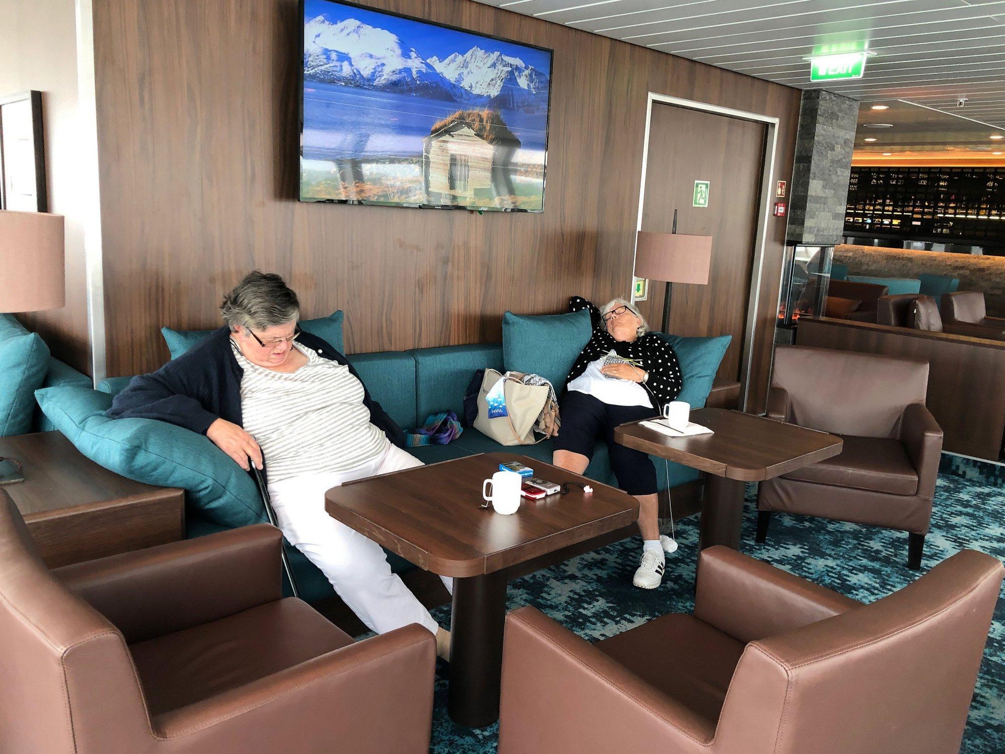 Auf den Hurtigruten - Mittagsschläfchen