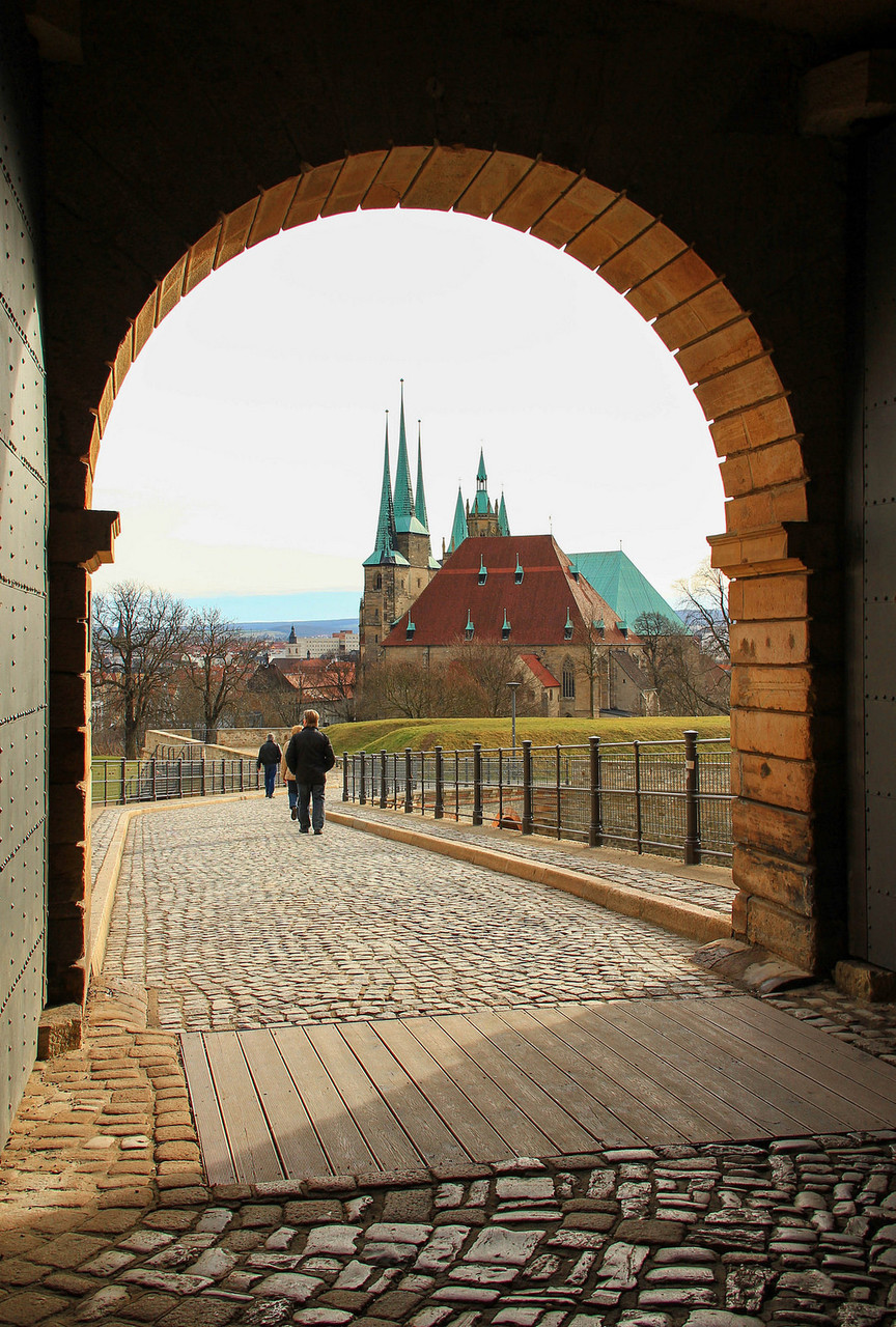 Tor der Zitadelle mit Blick auf das Domensemble