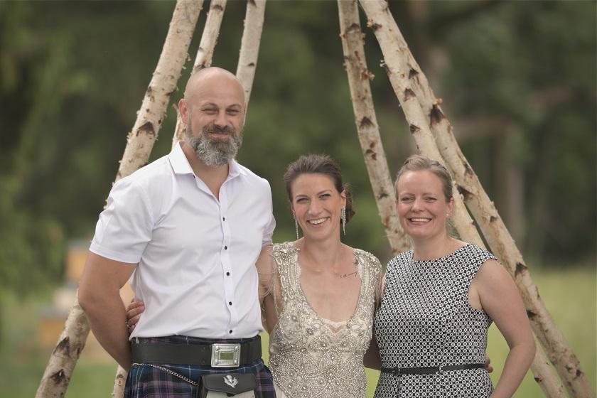 Brautpaar Insa und Danijel mit Redekünstlerin