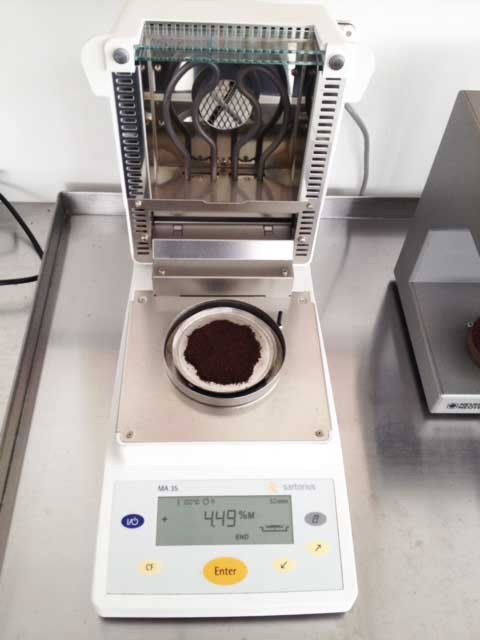 Moisture measurement roasted coffee