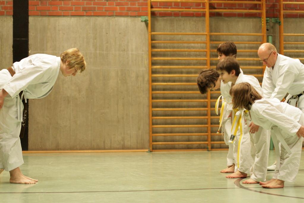 Karate beginnt und endet mit Respekt!