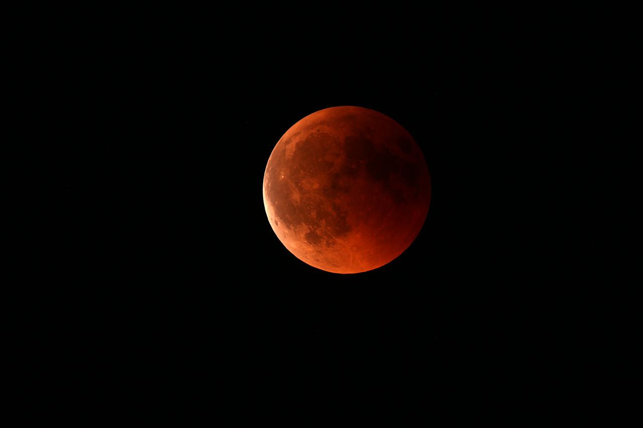 Blutmond, 23:11 Uhr - Ende der Totalität
