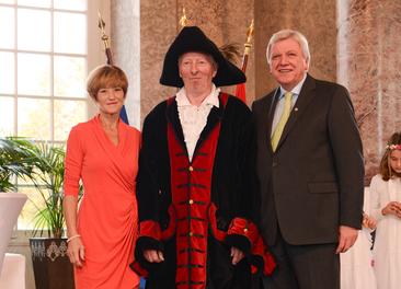 Unsere Symbolfigur Adam Friedrich von Capellan bei der Einladung des  Hessischen Ministerpräsidenten in Wiesbaden