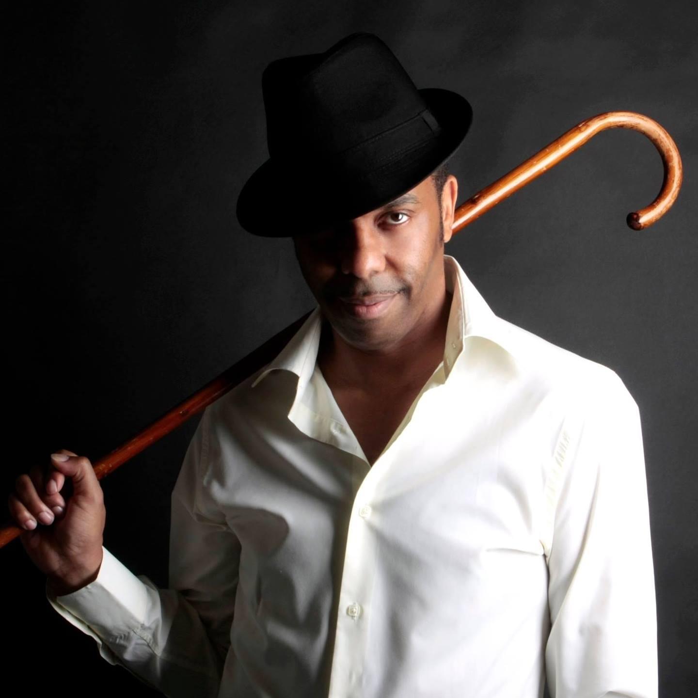 Ghislain - Hip-Hop Jazz-Rock. Danseur et chorégraphe qualifié par ses pairs comme une pointe dans sa discipline en Europe,