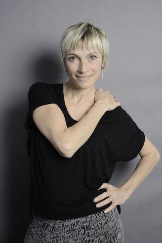 Sylvie - Néo-Classique. Première danseuse du Ballet national de Cuba et de la compagnie de David Sonnanbluck : sa rigueur impressionne !