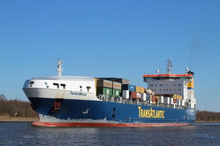Frachtschiff im NOK