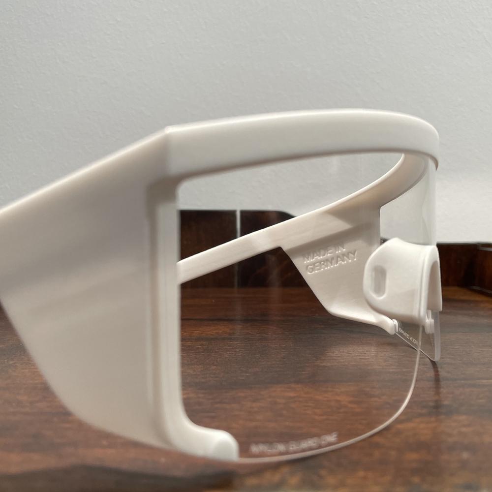 Optiker Zacher hat die neue Schutzbrille aus Berlin: Guard_One-Mykita_Schutzbrille. Schutzbrille made in Germany. Augenschutz hergestellt in Deutschland.