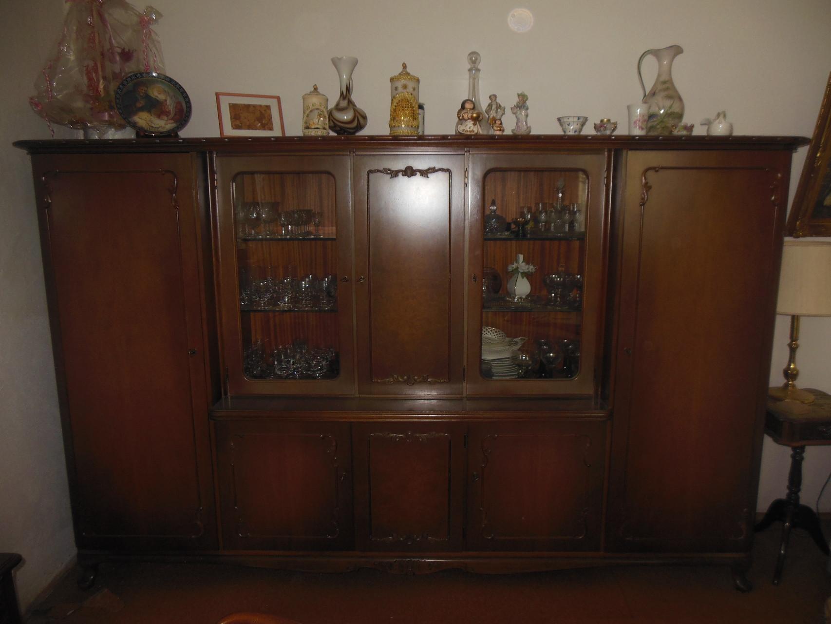 Chippendale-Wohnzimmerschrank
