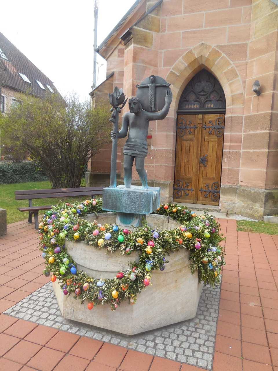 Osterbrunnen in Spalt