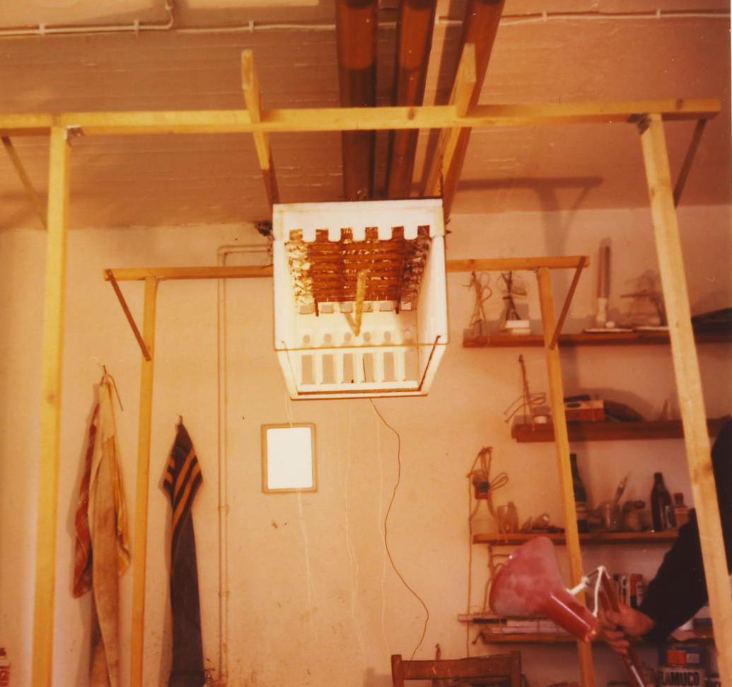 Walter Bidlingmaier und Armin Saub, Großes Modell für die Neugestaltung der Decke im Goldenen Saal, 1974/75, mit den beiden Künstlern im Atelier in München-Milbertshofen.