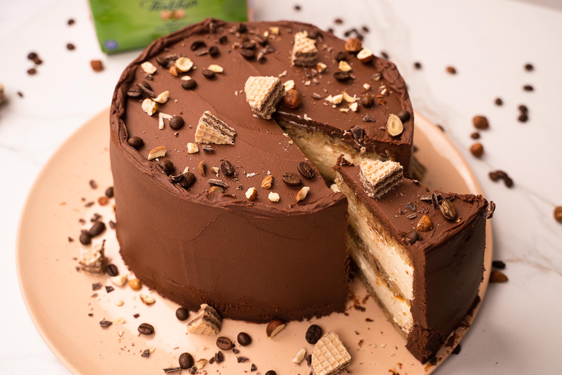 Haselnuss-Mokka-Mousse Torte
