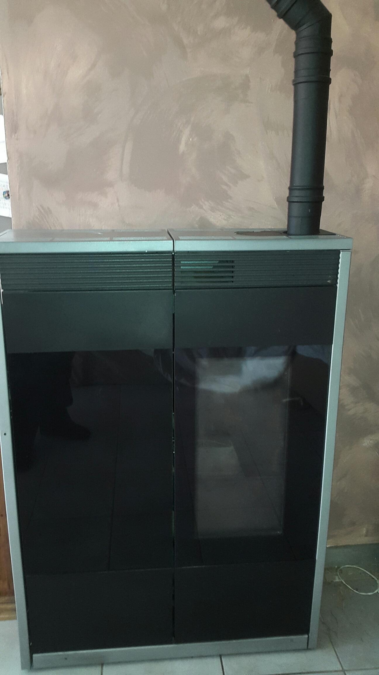 entretien poele a granule edilkamin lyon entretien poele. Black Bedroom Furniture Sets. Home Design Ideas