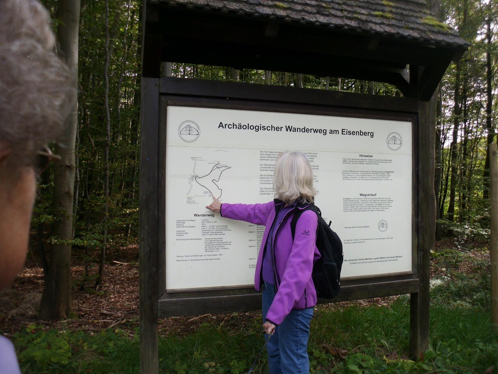 Archäologischer Wanderweg - geführt von Frau Waldeck