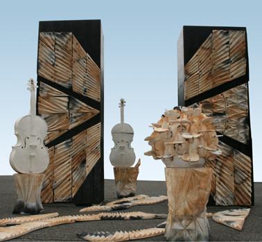 「奏でる土」2011年 岡山天神山文化プラザ「素材をめぐる14人の方法」展出品作