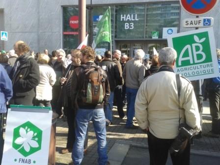 Plus de 300 personnes ont manifesté le 17 mars devant la DRAAF à Nantes