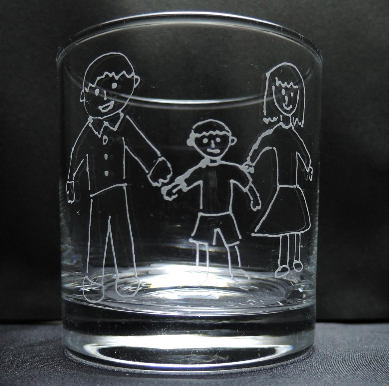 お客様による手描きデザインを彫刻したグラス